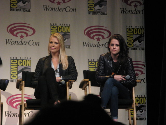 SNOW WHITE AND THE HUNTSMAN: Charlize Theron and Kristen Stewart at WonderCon