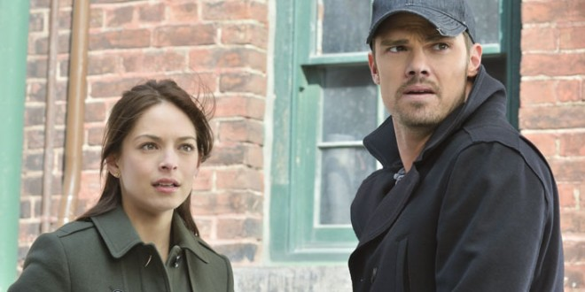 """BEAUTY AND THE BEAST: """"Cat and Mouse"""" Synopsis and Photos"""