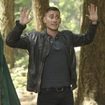 ONCE UPON A TIME: The Knave Arrives in Storybrooke + Elizabeth Mitchell! {PHOTOS}